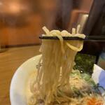 ヒキュウ - ちぢれ麺