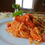 エヤム - 辛トマトソースのパスタ