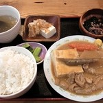 ダイマル ヤキトリ - もつ煮定食