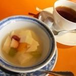 シューシノア - ランチセットより、杏仁豆腐
