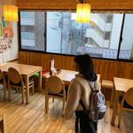 呉 宮 - 店内の雰囲気