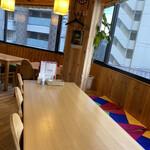 呉 宮 - テーブル席