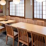 鰻 割烹 仲勢 - テーブル2