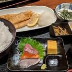 四ツ谷 魚一商店 - 鮭ハラス備長炭火焼定食