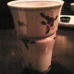 茶の間 吟 - 珍しい焼酎グラスです。