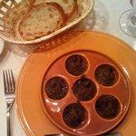 エスカルゴ - 料理写真:エスカルゴ きのこバターソース