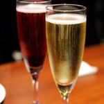 千年葡萄家 - キールロワイヤル(600円)とスパークリングワイン白(700円)