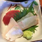 かどで家 - 料理写真:お刺身3種