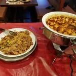 九寨溝 - もやしとハム?の和え物、麻婆豆腐。