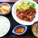 てっ平食堂 - 焼き肉定食 ¥990 玉子焼付きです。