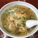 喜久 - 料理写真:海老ワンタン麺、花が咲いたような外観