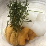 季節料理 藤 - 槍烏賊と北海道のバフンウニ。メニューには有りませんが、伝えると快く用意してくださいました