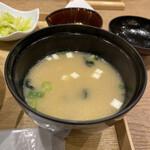 新潟カツ丼 タレカツ - 味噌汁