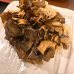 おどるうどん - 舞茸の天ぷら