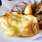 小麦工房 パン屋さん - チーズのパン ちょっと焼いて 美味しく頂きました