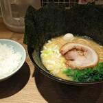松壱家 - 醤油豚骨+のり+ライス!(☆∀☆)キラーン