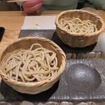 小松庵総本家 - 二産地の蕎麦のテイスティング 北海道新得町産と栃木県産はな蕎麦の食べ比べ