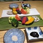 小松庵総本家 - 季節の温野菜 蕎麦味噌とお塩で楽しみます