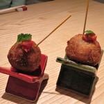 小松庵総本家 - そばコロッケ 揚げたて熱々で蕎麦の実が入るコロッケです♪
