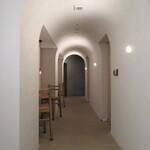 小松庵総本家 - まるで洞窟の様な造り