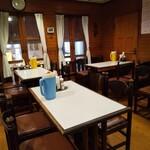 レストラン ハッスル - 内観