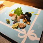Kitashinchisushitsuu - ティファニーのお皿にのるお造り