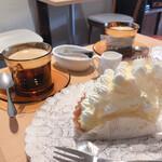 やさしいスイーツ工房 ドゥサール - レモンタルト&ホットコーヒー
