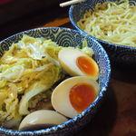つけ麺本舗一億兆 - 【2012.05. 再訪∞】 つけ麺700円+野菜ダブル200円+卵追加(サービス^^)
