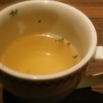 卵と私 - 洋食屋さんのオムライス に付いてくるスープ
