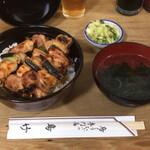127780057 - 【やき鳥丼】(950円税抜)