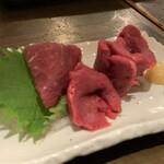 梅田東通り 肉寿司 -