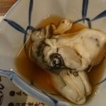 大衆酒場 晩杯屋 - 大きい牡蠣
