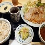 泰山 - 黒豚ロース生姜焼き定食