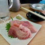 魚介 - ずり(腹身) 399円(税別)