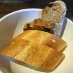 トラットリア・モキチ - ベーカリーモキチのパン