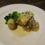トラットリア・モキチ - アイスランド産ラム肉のアグラッサート