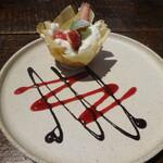 トラットリア・モキチ - 苺と甘麹のチェスティーノ