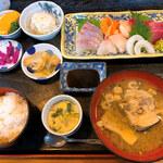 魚屋の寿司 東信 - 刺身定食