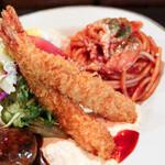 グリル&洋食 アガペ - エビフライ