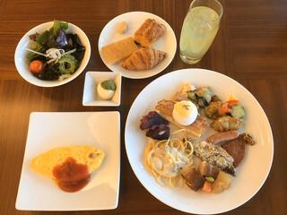 アラマハイナ コンドホテル - 朝食