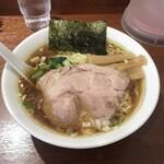 らぁめん蔵持 - らぁめん麺少なめ730円!