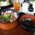 金沢海鮮丼 もり家 - 蟹味噌丼