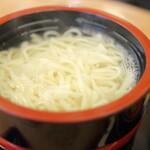 桂 - 料理写真:伊豆生一本うどん。釜揚げ。