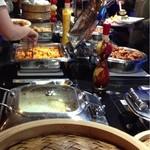 レストラン バーガンディ - 餃子、焼売、ポテトグラタン、唐揚げや炒飯、麻婆豆腐、茶碗蒸しなど。