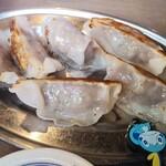 焼きとん・もつ鍋 お多福 - ヘルシー馬い餃子495円