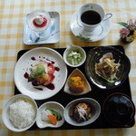 未来 - 料理写真:和洋膳(昼\1400)デザート・コーヒー付き