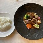 プルミエ - 牛肉のオングロワーズは上品な味わいでした(〃ω〃)