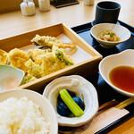 魚吉別邸 惠宙 - 『鶏と季節野菜天婦羅恵宙御膳』                                 税込1,100円
