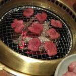 炭火焼肉 名玉 -