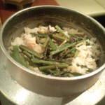 れん家 - 料理写真:釜飯。30分以上待ち。